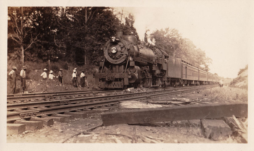 1917 Cap Ltd at Georgetown Jct EB after wreck front